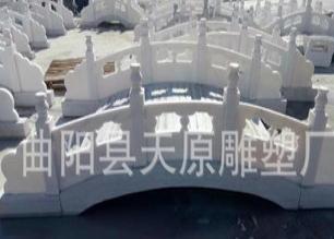 供应石桥汉白玉石雕小巧大理石栏板曲阳石雕