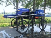 济宁圣地3WPZ-700B自走式喷杆喷雾机